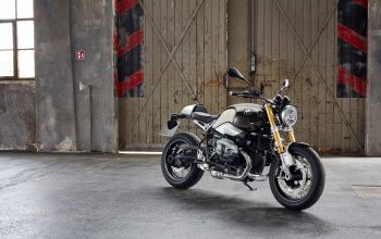 BMW-R-NineT-Warehouse-Front-Left