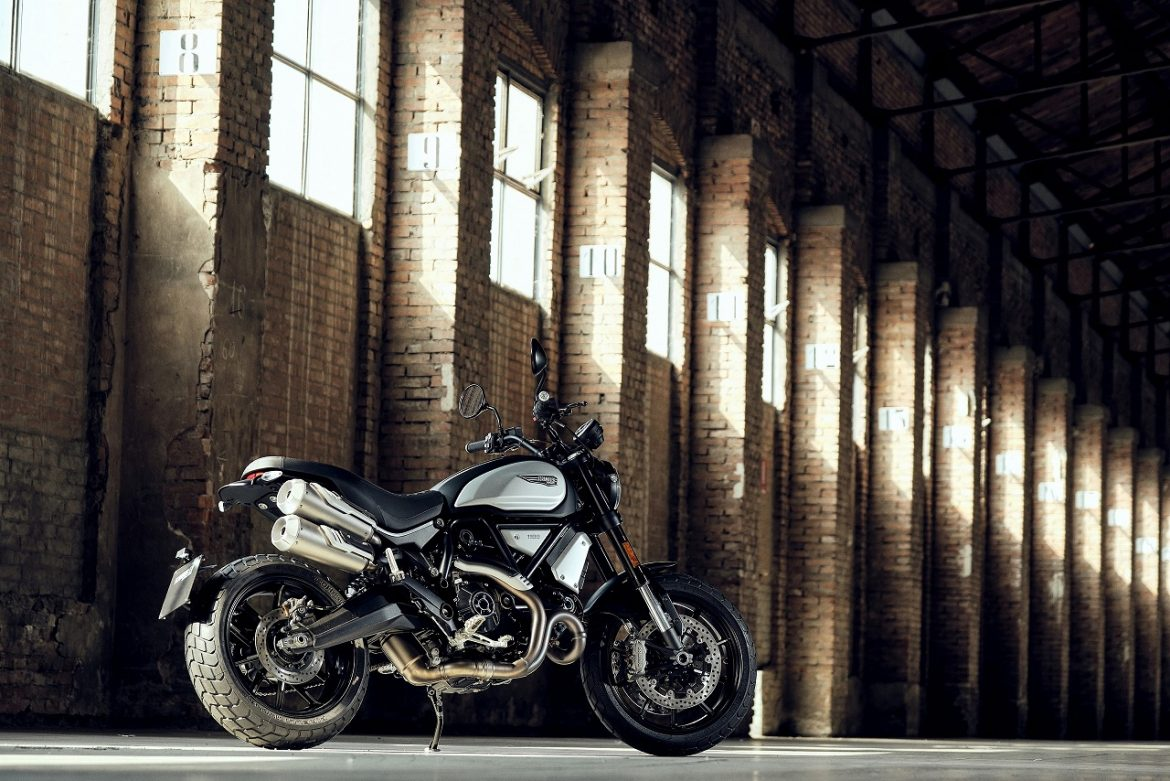 Dark Suit: The New Ducati Scrambler 1100 Dark PRO