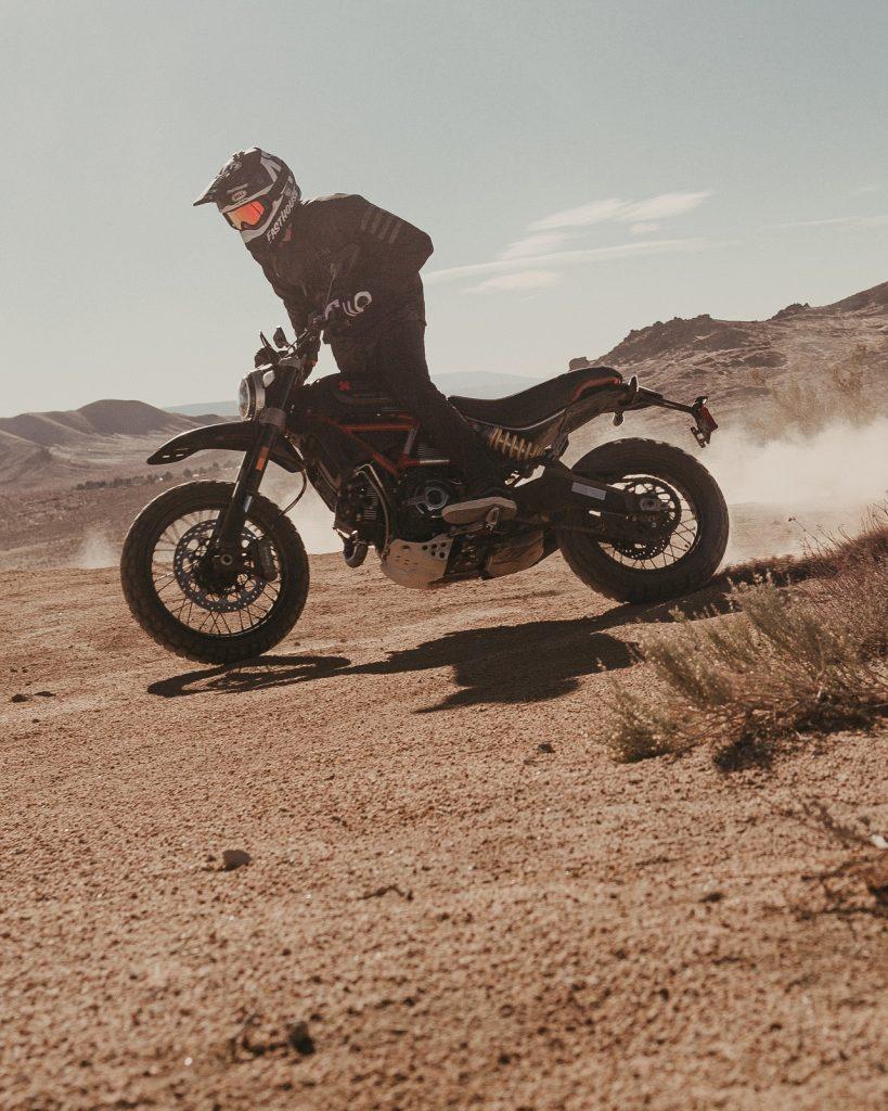 Ducati_Scrambler_FastHouse_Action_Powerslide2