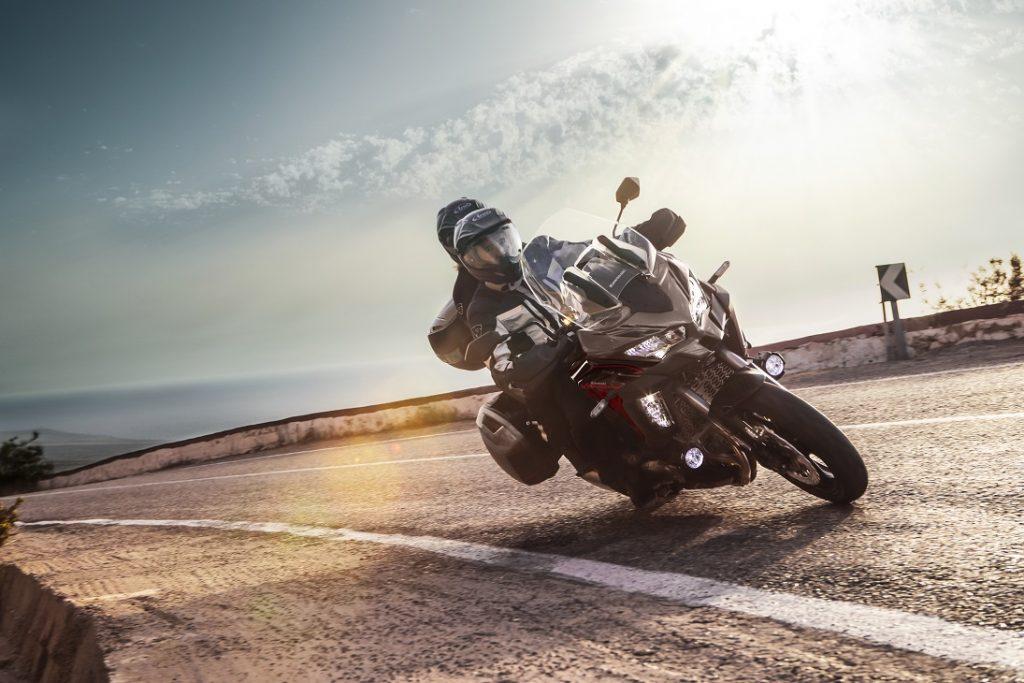 Kawasaki Versys 2021 model action3