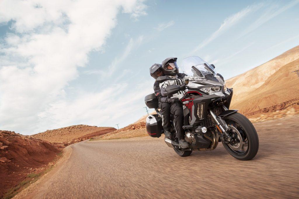 Kawasaki Versys 2021 model action6