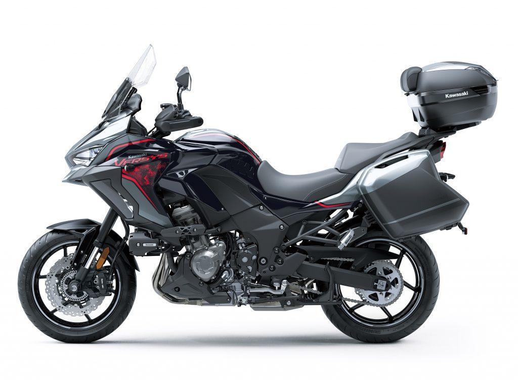 Kawasaki Versys 2021 model static2