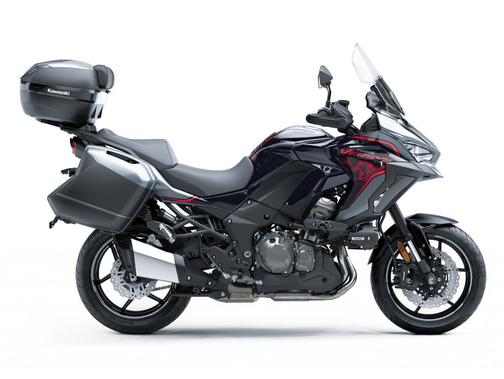 Kawasaki Versys 2021 model static4
