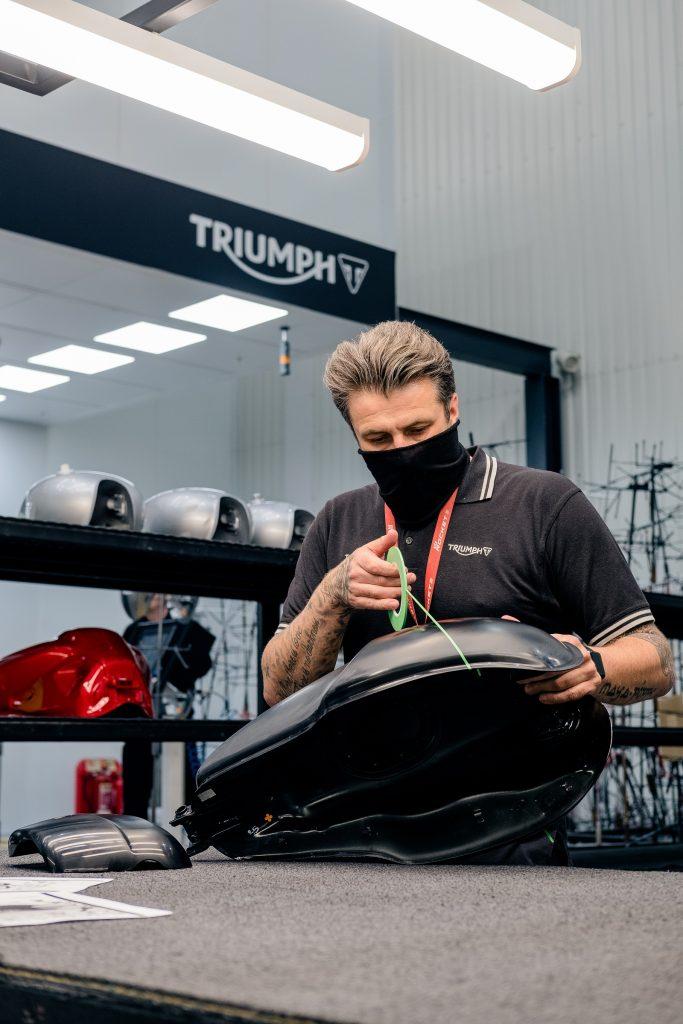 DGR x Triumph Thruxton RS Tank2