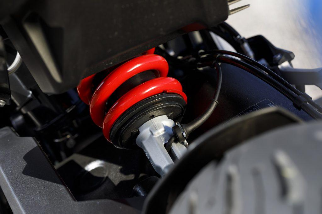 BMW F 900 XR Detail Rear Spring