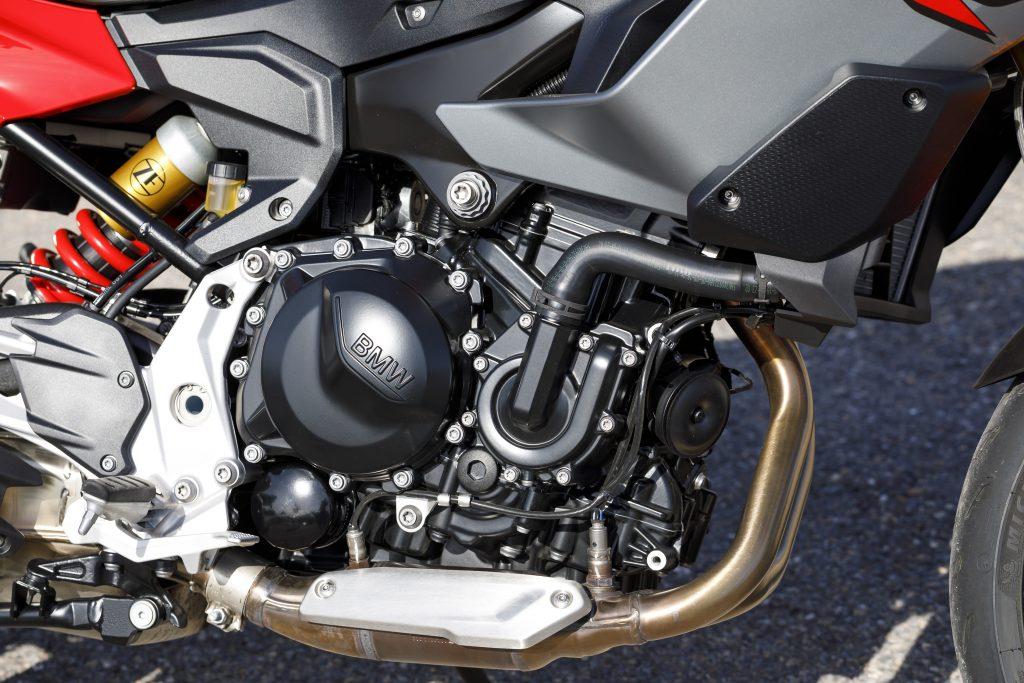BMW F 900 XR Detail Engine