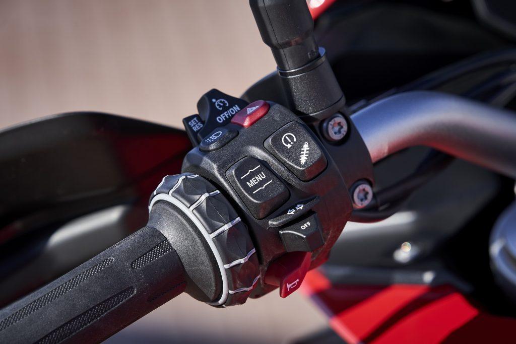 BMW F 900 XR Detail Instrument