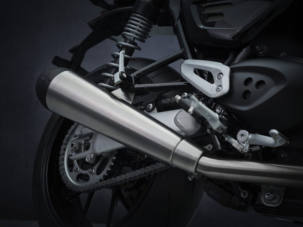 2021_Triumph_Speed_Twin_Details5